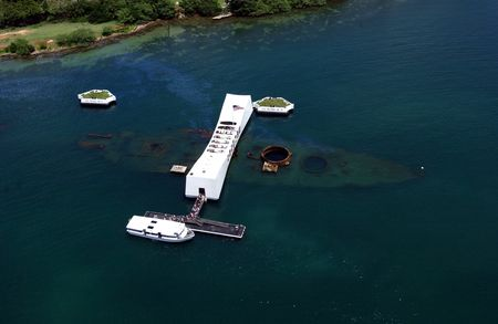 USS_Arizona_Memorial_(aerial_view)